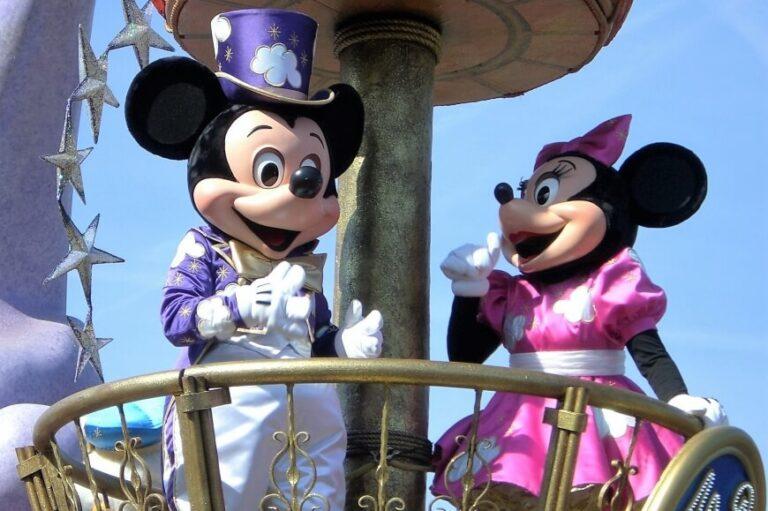 Disneyland Paryż – atrakcje i praktyczne informacje, które pomogą każdemu zaplanować wyjazd na własną rękę