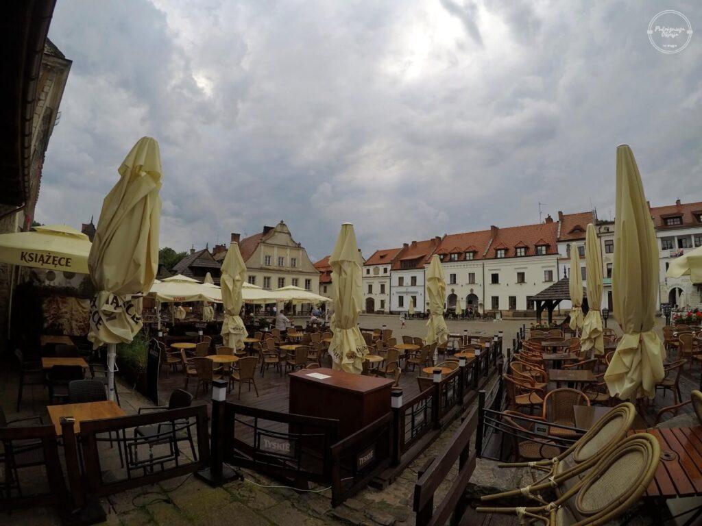 knajpy na rynku w Kazimierzu Dolnym