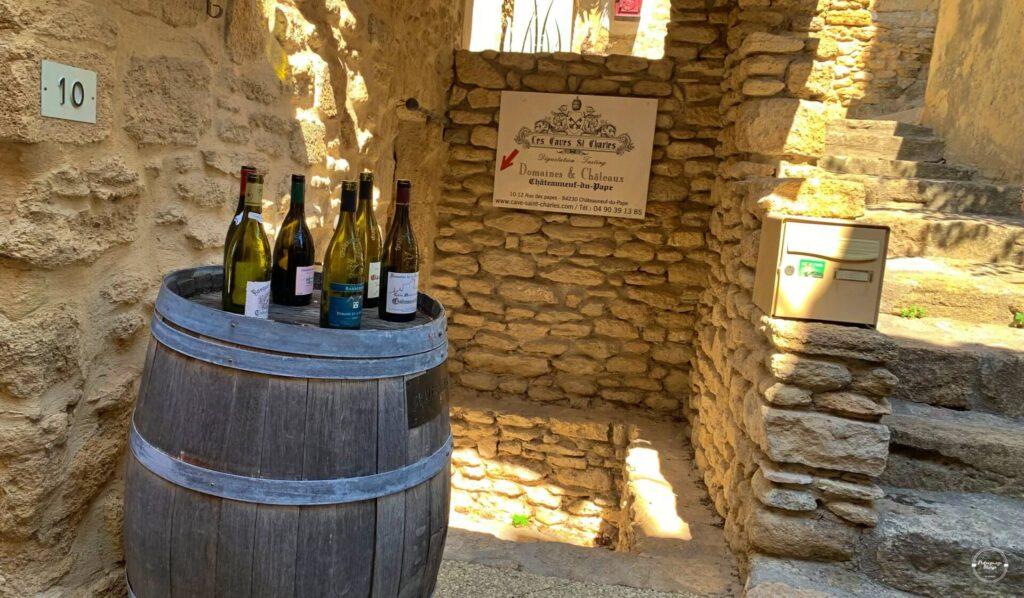 Butelki francuskiego wina