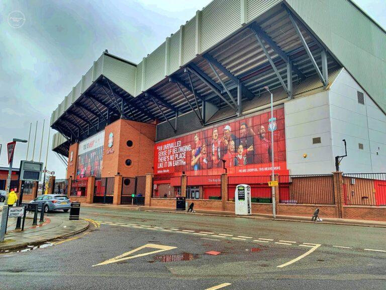 Liverpool FC – zwiedzanie stadionu mistrzów Anglii z sezonu 2019/2020