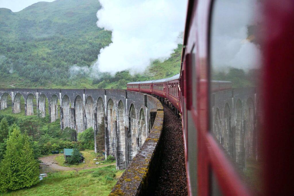 Jacobite pociąg parowy w Szkocji