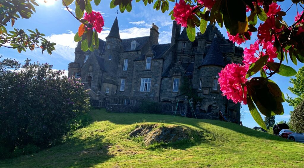 knockderry Castle Cove Argyll and Bute